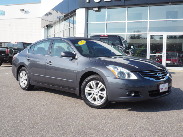 Pre Owned 2012 Nissan Altima 4dr Sdn I4 CVT 2.5 S
